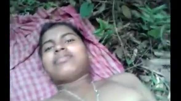 Tamil girl outdoor fuck