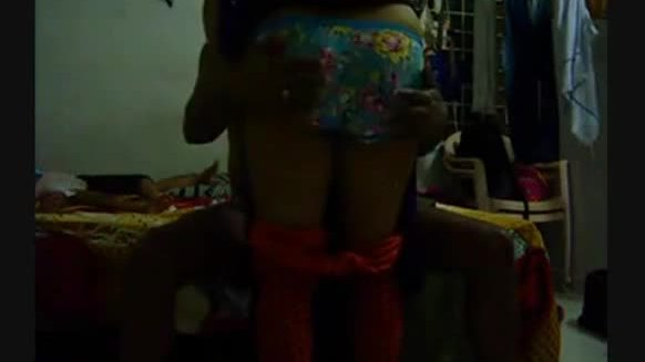 Desi hidden cam mms of a homely woman changing