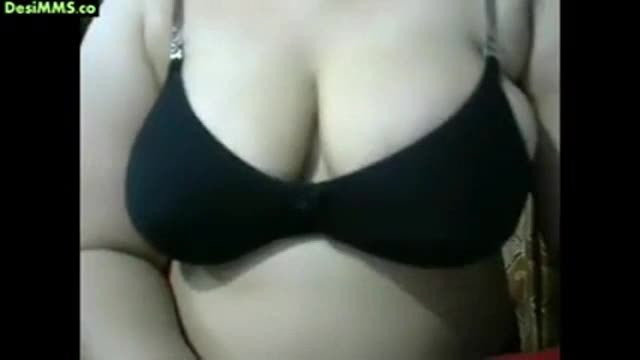 Indian aunty webcam boob show