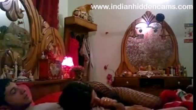 Sizzling hot pakistani couple home made video captured using screen capture tool
