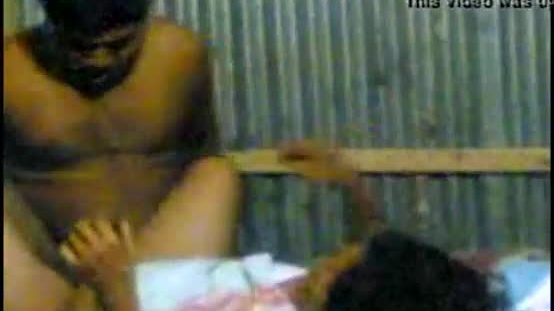 Desi couple having sex hidden cam