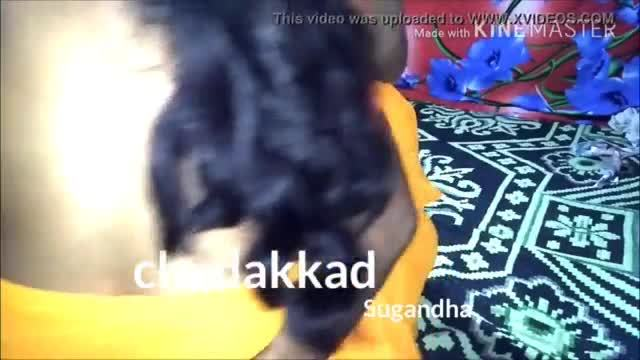 Desi bhabhi giving a hard blowjob to her escort