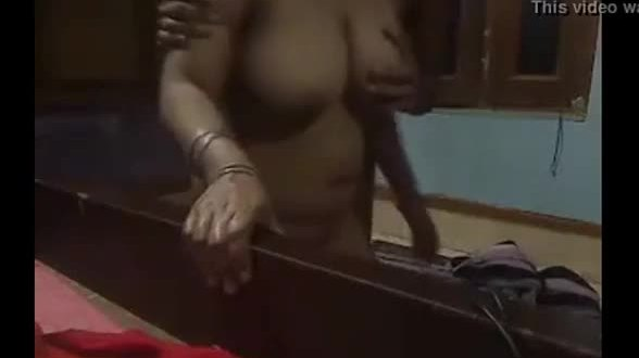 Indian sex mms of desi local guy threesome sex with village maid