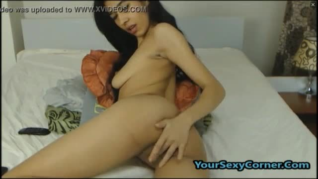 Aaiqa southy perky boob muslim girl and dark desi boy sex
