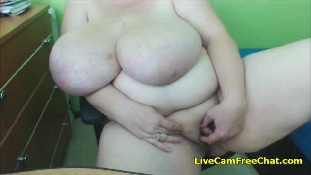 Local desi aunt slut holding and sucking dick of her paid client mms clip