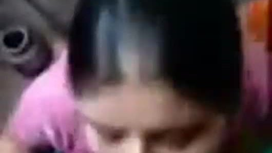 Indian desi teen girl making her own mms