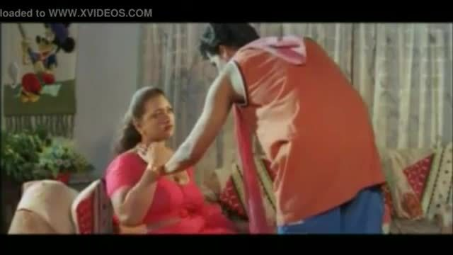Mallu hot aunty seducing uncle