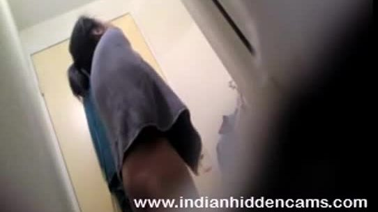 Hot desi girl in bathroom