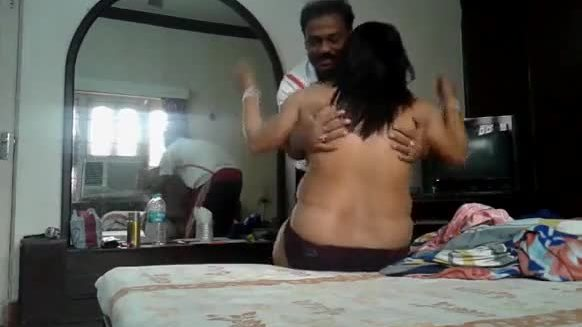 Expose cute south aunty