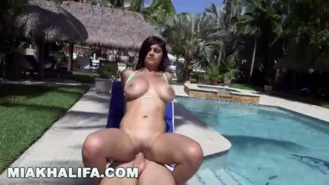 Big boobs sexy arab girl cutting hair