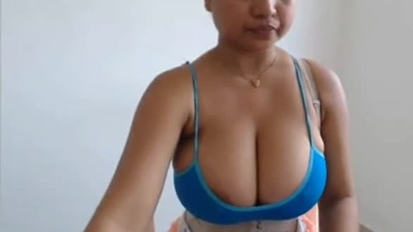 Busty desi cam girl nilam in her new mms