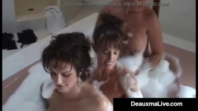 Desi hottie kavya full nude in bath tub hot mms scandal